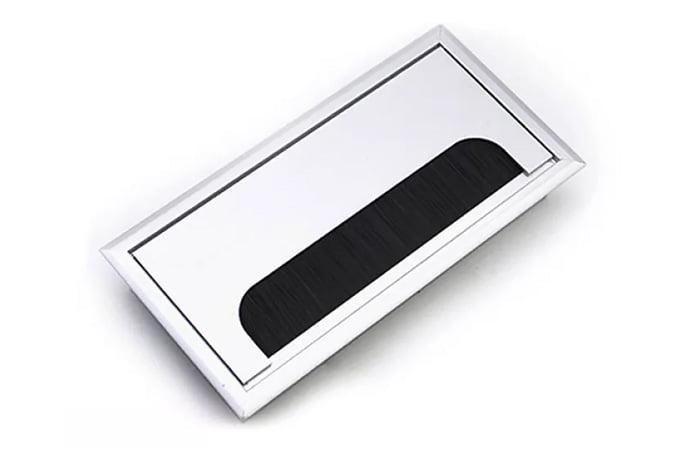Hộp đựng ổ cắm giúp tối ưu nhu cầu sử dụng điện cho các thiết bị trên bàn một cách gọn nhẹ